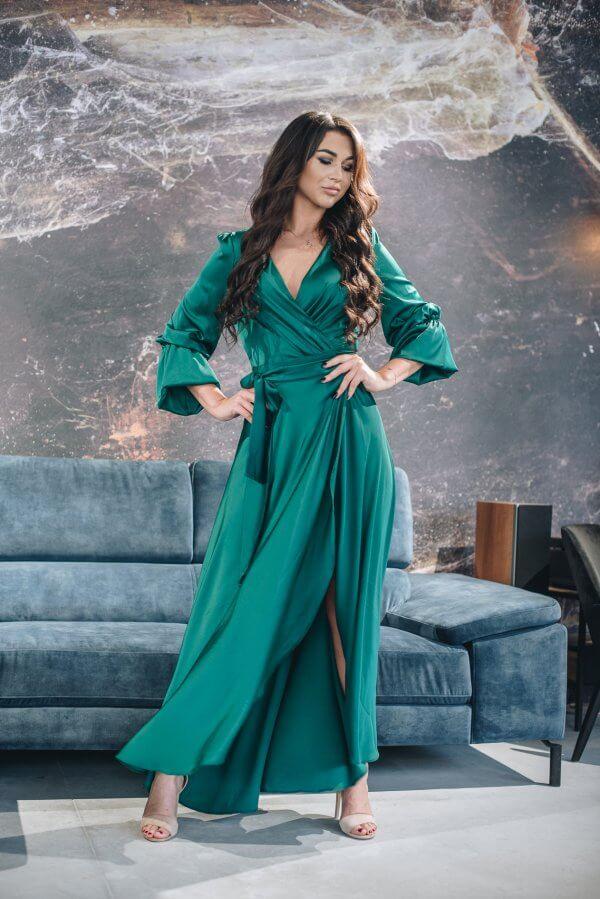 Žavi, ilga suknelė su pustomis rankovėmis
