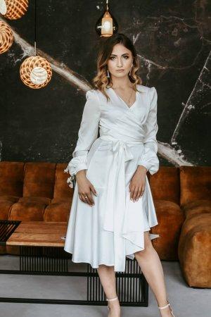 Armani šilko progine suknele antrai vestuviu dienai balta vakarine suknele