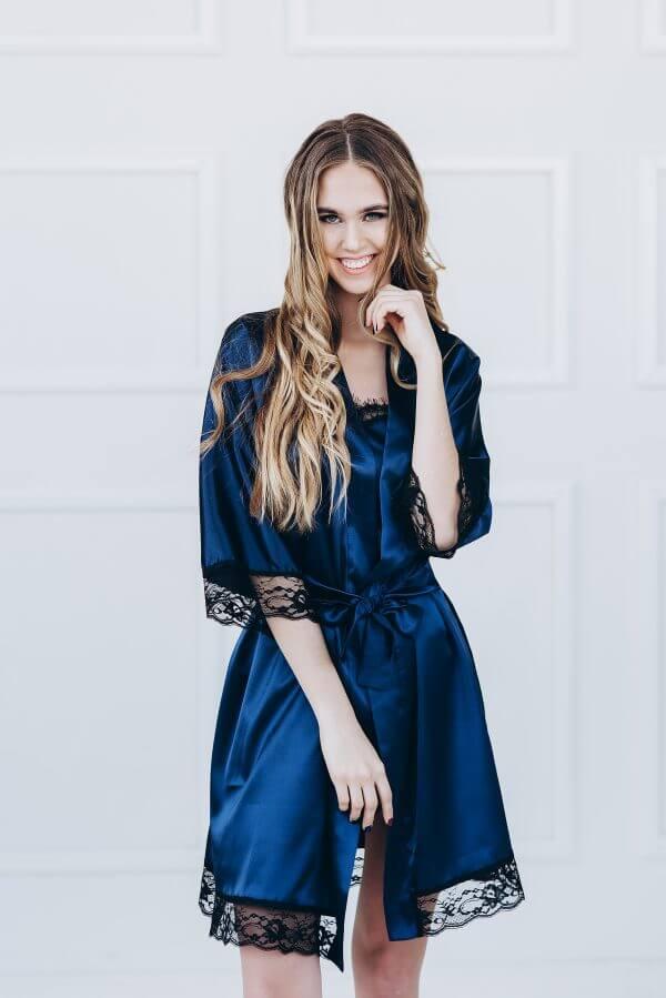 Moteriškas Chalatas Su Prabangiais Juodais Nėrinukais – Karališka Mėlyna