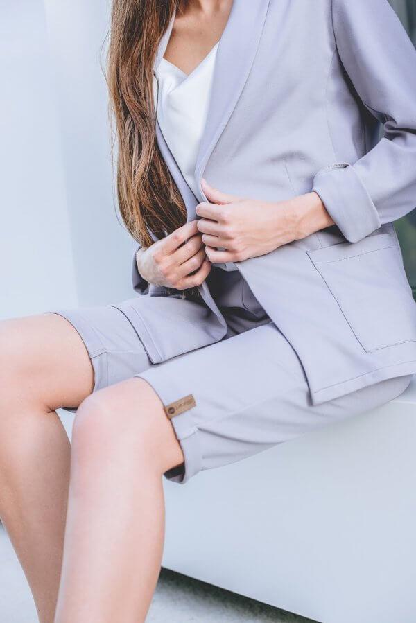Kostiumelis su Oversize tipo švrakuir šortais