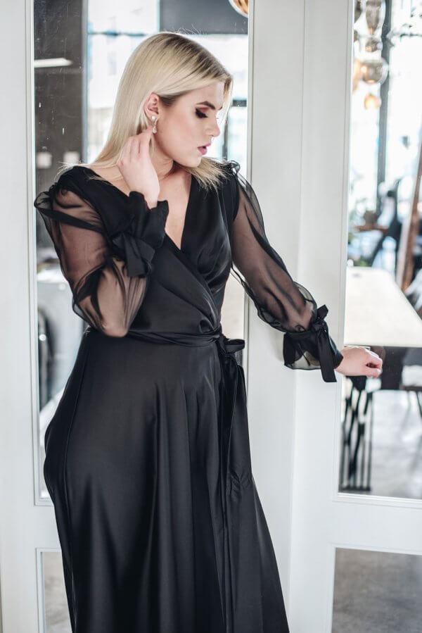 juoda puošni suknele, progine siknele su permatomis rankovemis