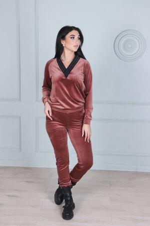 Soft veliurinis laisvalaikio moteriškas kostiumelis, dumine roze su apykakle (3)