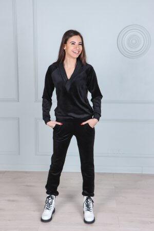 Veliurinis moteriskas kostiumelis juodos spalvos (1)