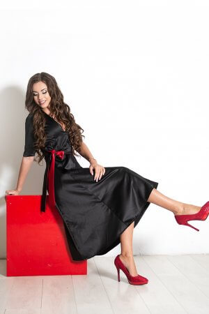 progine suknele juoda, vakarine suknele su iskirpte suknele su bantu moteriska sventine suknele